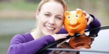 Vor dem Autokauf die Zinsen für den Autokredit vergleichen und dann die Kfz-Finanzierung online abschließen.
