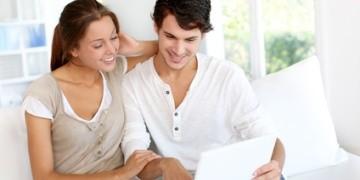 Statt Mietkautionskonto die Mietkautionsbürgschaft bei einer Bank oder Versicherung online abschließen und die Barkaution sparen.