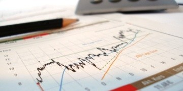 Wer mit der Mietkaution mehr Rendite erwirtschaften möchte, könnte ein Mietkautionsdepot eröffnen und z. B. in geeignete Fonds investieren.